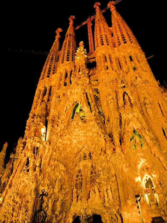 旅、EarthTribe、世界一周、ブログ、バックパッカー、トラベラー、画像、スペイン、バルセロナ、ガウディ、サクラダファミリア